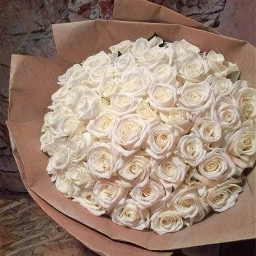 Купить на заказ Букет из 101 белой розы с доставкой в Кандыагаше